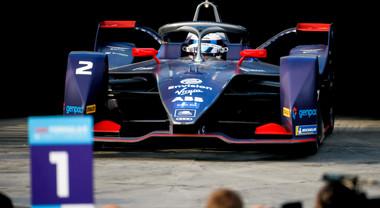 Bird (Virgin) domina a Diriyah. Porsche e Mercedes, debutto sul podio