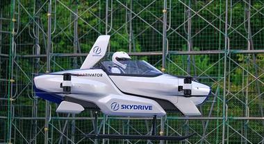 SkyDrive SD-03, primo volo di prova per il drone monoposto. In aria per 4 minuti, grazie a 8 motori elettrici indipendenti