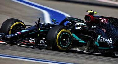 Bottas si conferma leader nel 2° turno libero a Sochi, le due Ferrari in Top 10