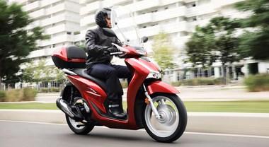 Honda Sh si rinnova, il leader del mercato ha nuovo motore e telaio. Più potente e maneggevole