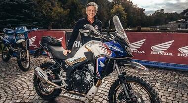 """CB500X, la """"turistica"""" che sfida le vere enduro. Con Renato Zocchi la piccola Honda vince Alps Tourist"""