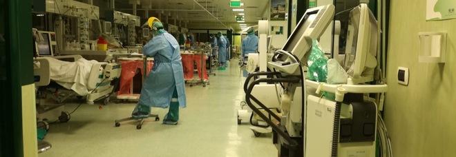 Bergamo, infermiere ruba il bancomat di un anziano malato di coronavirus e gli prosciuga il conto