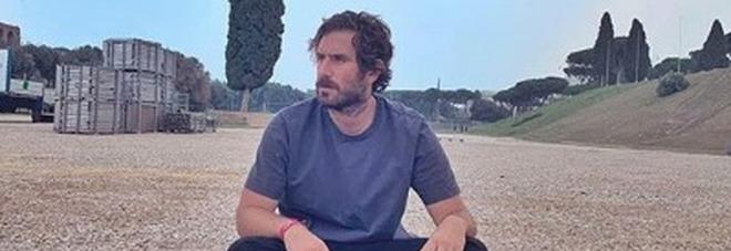 Tommaso Paradiso lascia i Thegiornalisti: «Le storie non sono eterne, rimane l'amore che abbiamo condiviso»