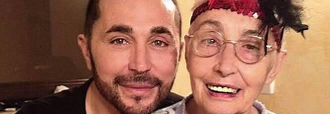Scialpi, morta la mamma. Il messaggio commovente su Facebook: «Ti amerò per sempre»