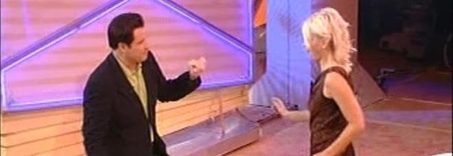 Amici 18, dopo Ricky Martin Maria De Filippi si scatena in pista con John Travolta