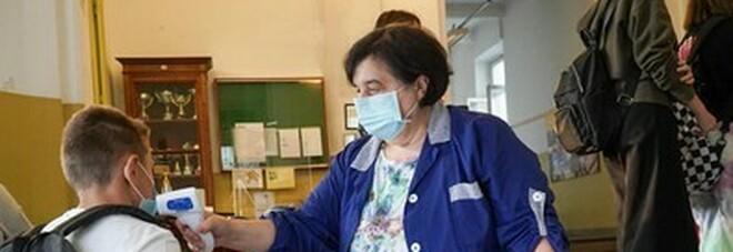 Scuola, Azzolina impugna l'ordinanza del Piemonte: temperatura va misurata a casa non a scuola