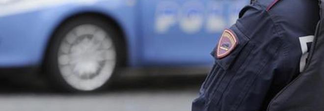 Roma, nigeriano aggredisce un poliziotto e cerca di rubargli la pistola: arrestato