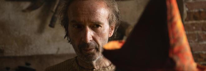 Il premio Oscar Roberto Benigni è Geppetto nel film Pinocchio di Garrone