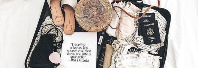 Dal cuscino per il collo al lettore ebook: i 5 must have del viaggiatore perfetto