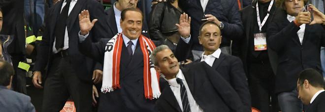 """Il Monza vola, Berlusconi e la battuta """"hot"""": «Più forti del Milan. Ora scusate ma devo andare...»"""
