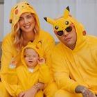 Chiara Ferragni, la foto con Fedez e Leone vestiti da Pikachu per Halloween. Fan preoccupati: «Dov'è?»