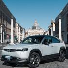 Un bosco per i 100 anni di Mazda e per la sua prima auto elettrica, la MX-30