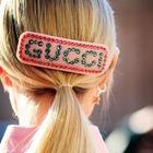 Tra i capelli mollette e fermagli colorati: gli hairstyle della primavera (e della quarantena) come negli anni Novanta