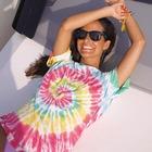 Tie Dye tendenza dell'estate 2020, dalle t-shirt ai costumi è subito Woodstock