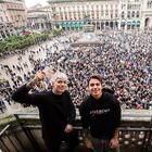 """Milano, Piazza Duomo gremita per il firmacopie del nuovo album di Benji & Fede """"Good Vibes"""""""