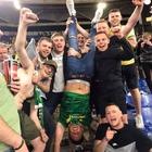 Lazio-Celtic, i tifosi scozzesi in festa rievocano piazzale Loreto: la foto diventa virale